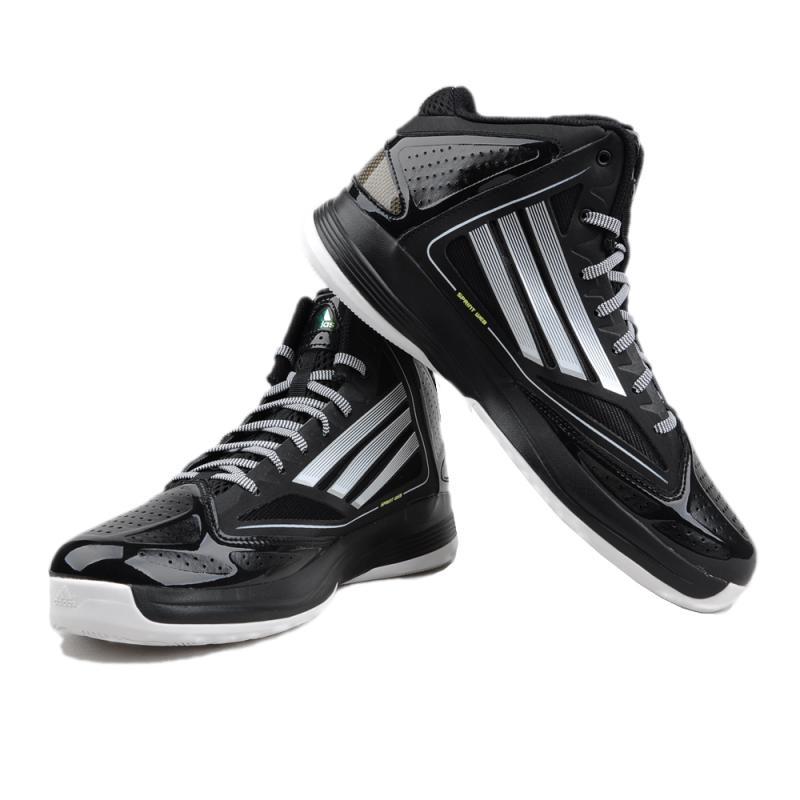 阿迪 耐克 谁的篮球鞋好