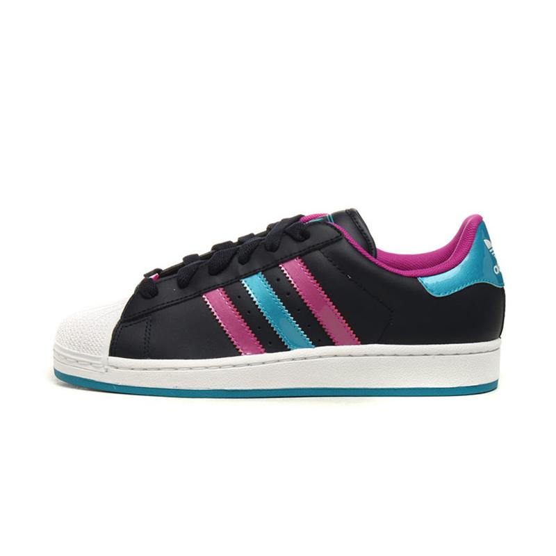 阿迪达斯adidas三叶草女鞋经典板鞋 q23586
