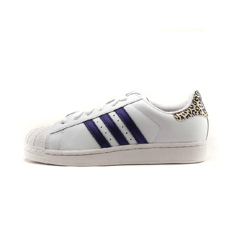阿迪达斯adidas三叶草女鞋经典板鞋 g65654